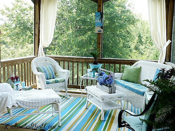 3 super cute screen porch ideas you will love classic for Cute porch ideas
