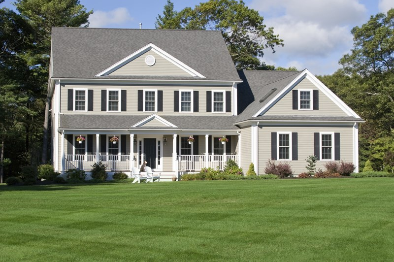 5 Effective Ways to Increase Your Home's Curb Appeal in a Tough Market