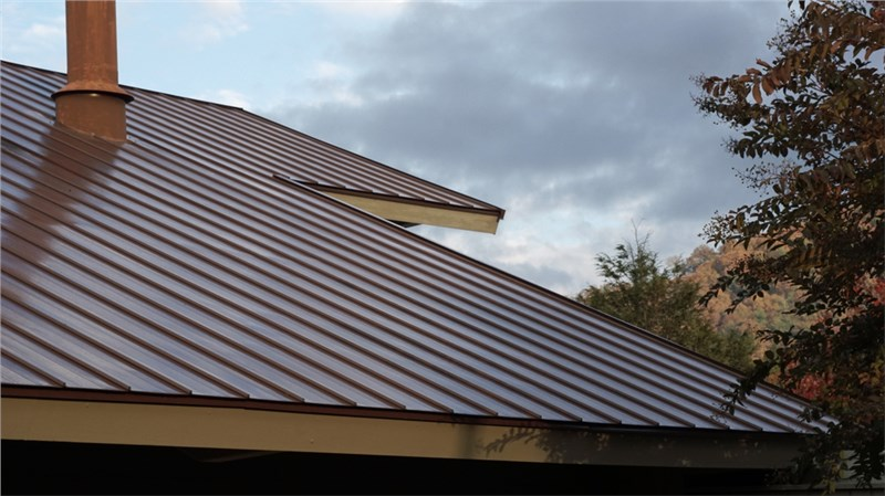 Looking for Metal Roofing Around Moline?