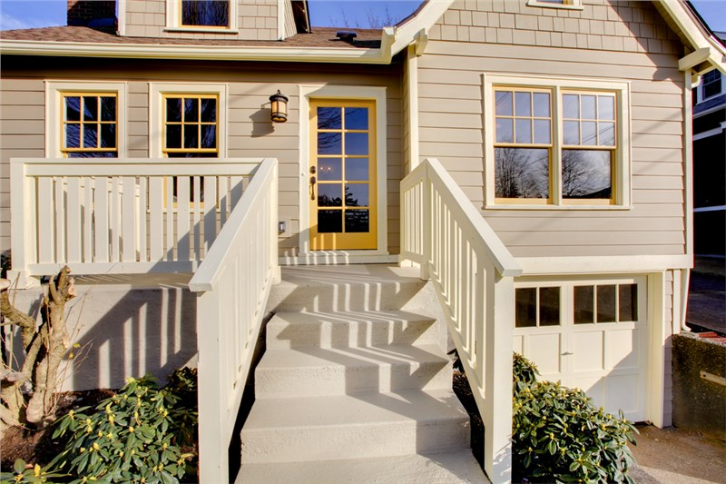 Four Reasons to Get a New Entry Door