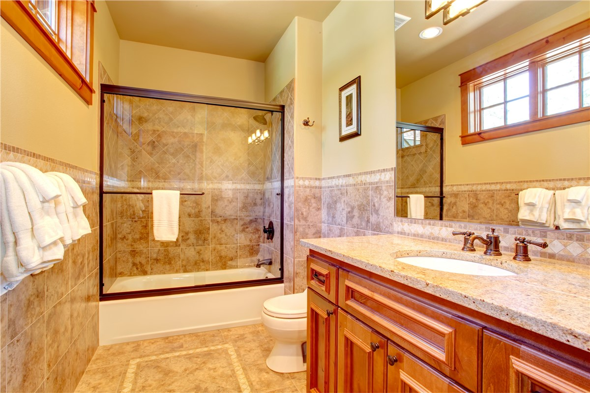 Kansas City Shower Replacement · Bathroom Remodeling Photo 2