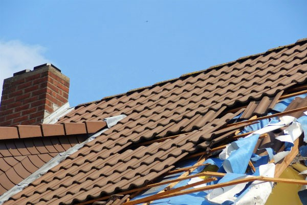 How to File an Insurance Claim for Roof Damage