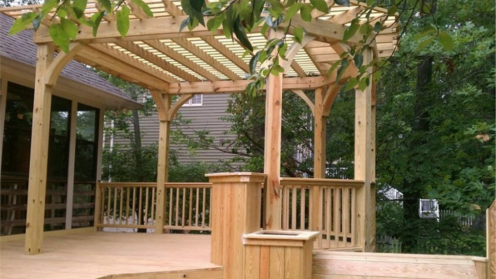 Exterior Remodeling - Decks Photo 1
