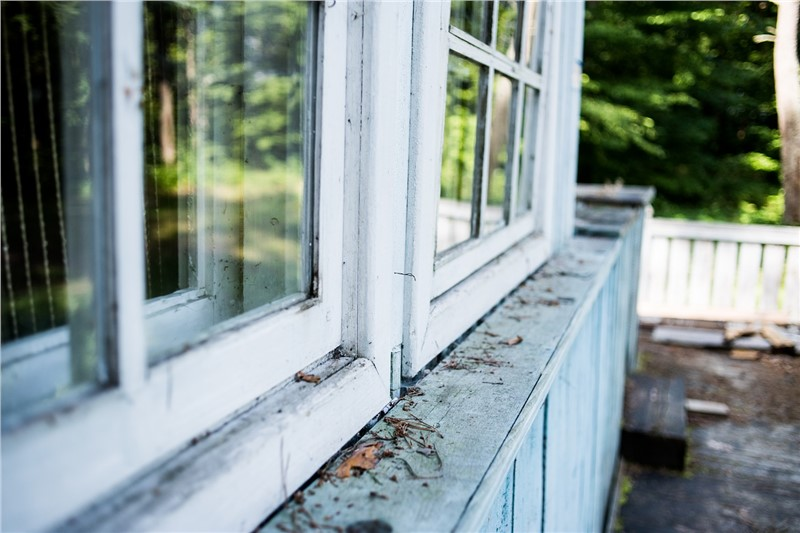 Top Signs That It's Time to Replace Your Home's Windows