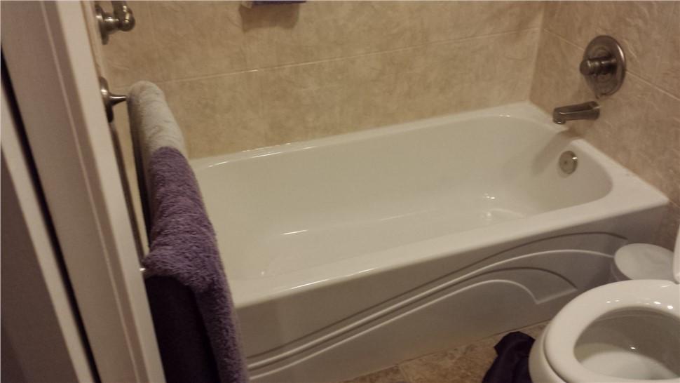 Bathtub Remodel - Tub Liners Photo 1