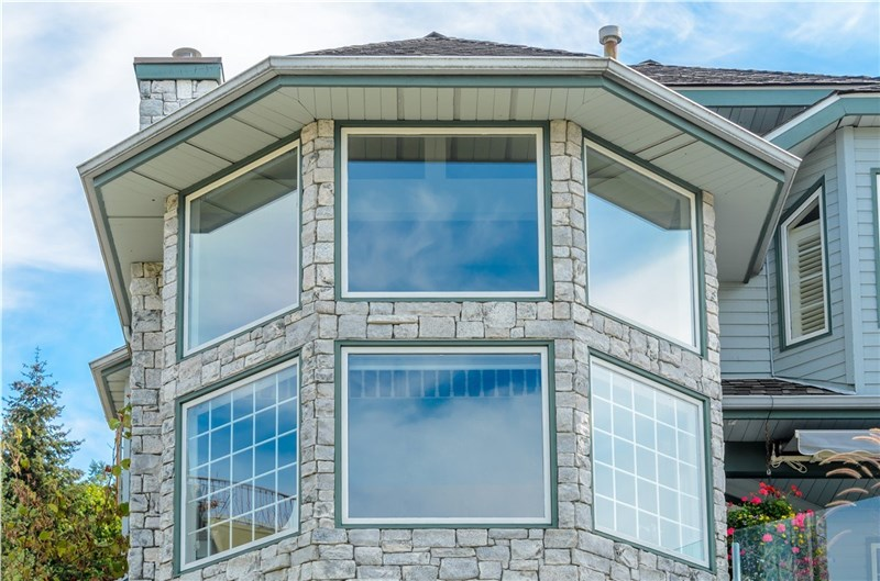 replacement windows by classic construction