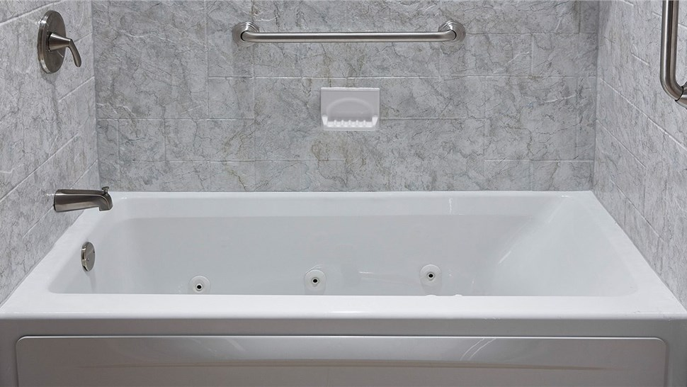 Bathtub - Jetted Bathtub Photo 1