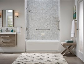 Bathtub - Bathtub Shower Combo Photo 2