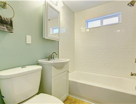 Bathroom Remodeling - Bath Liners Photo 4