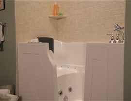 Bathroom Remodeling - Walk-In Baths Photo 4
