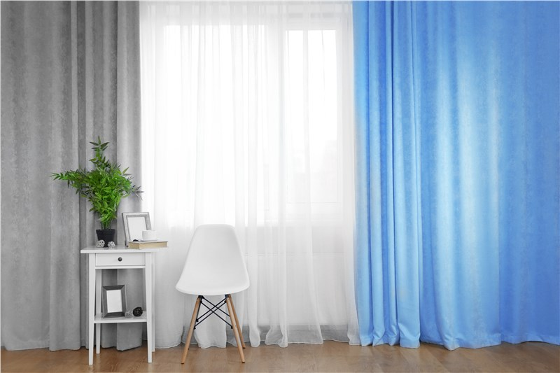 clothes curtains to keep insulated