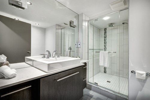Great Bathroom Remodeling Ideas from a Hotel Bathroom
