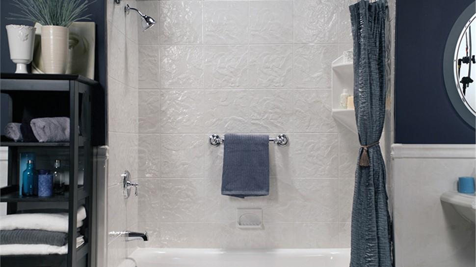 Shower Surrounds | Shower Surround Replacement | Toledo | Expert Bath