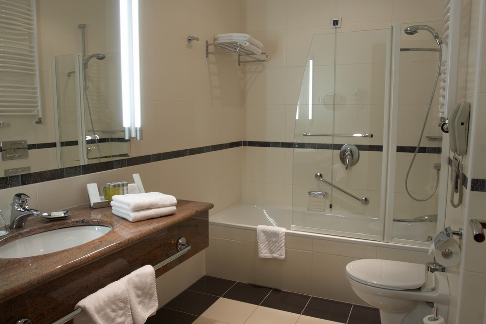 Tub to Shower Conversion | Bathtub To Shower | Toledo | Expert Bath ...