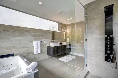 Walk-In Tubs vs. Walk-In Showers: Which Style is Right for Me?