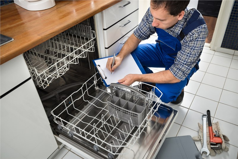 4 Steps for a Better Smelling Dishwasher