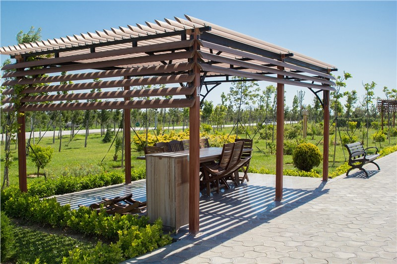 Three Reasons to Consider a Pergola for the Backyard