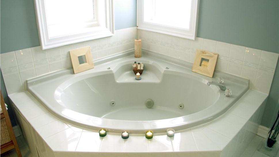 Bathtubs - Whirlpool Bathtubs Photo 1