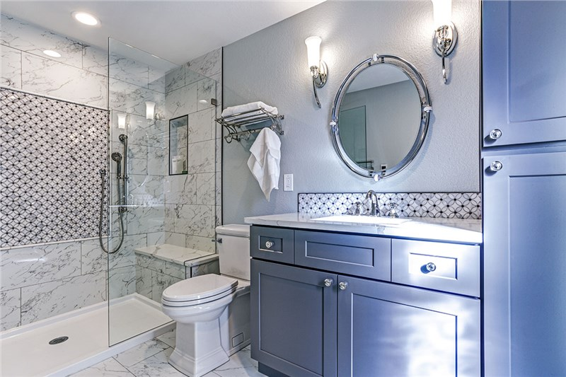DIY or Hire a Professional: 6 Things to Consider Before Converting Your Tub to a Walk-In Shower