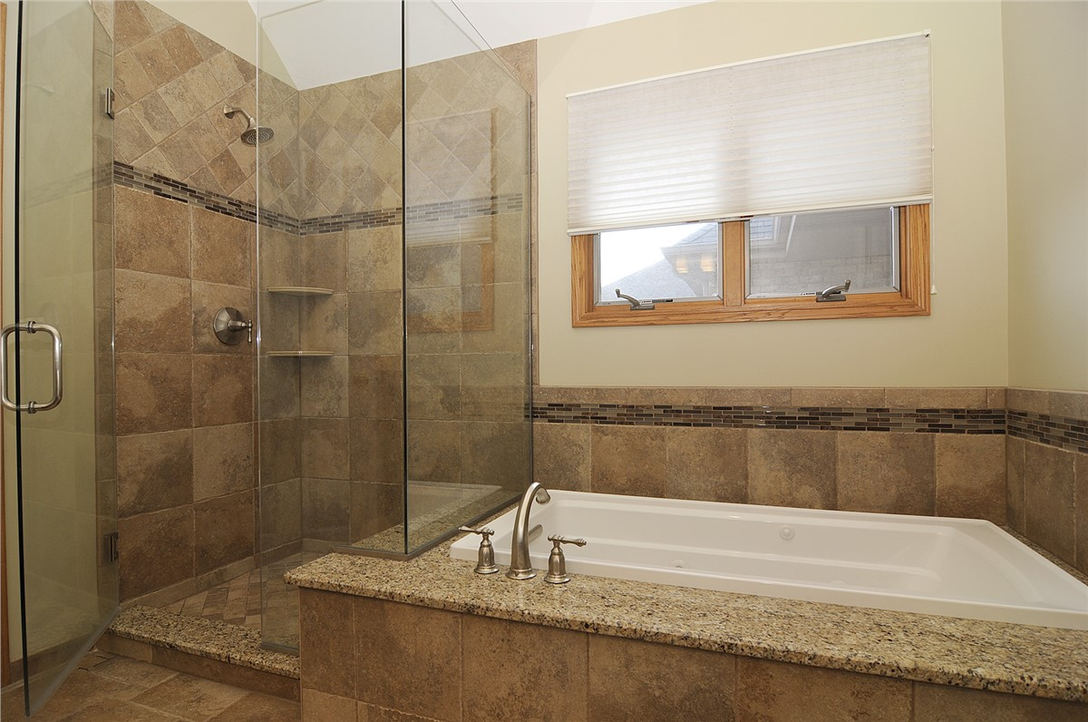 Chicago bathroom remodeling chicago bathroom remodel for Bathroom renovation images