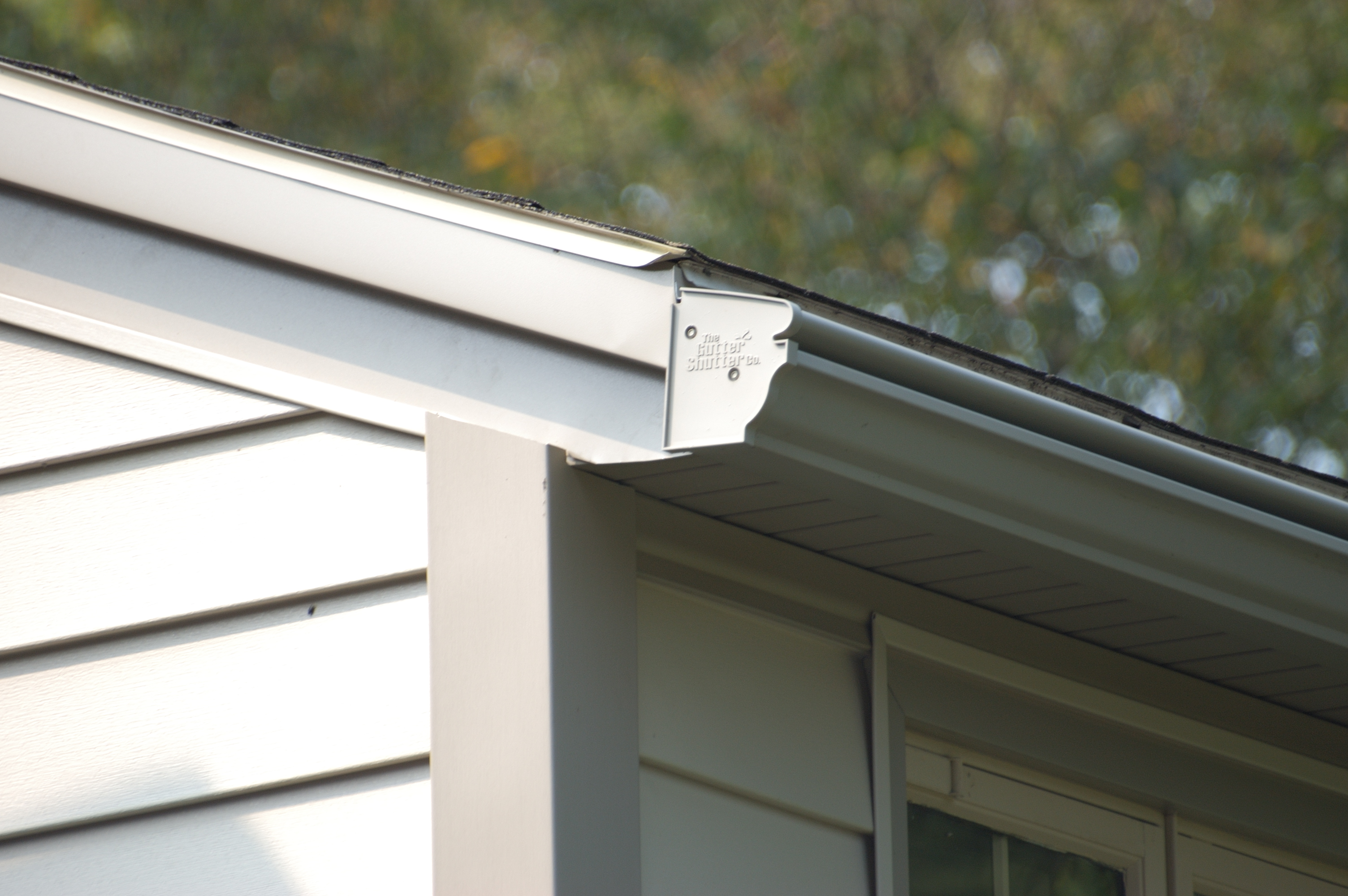 gutter protection maintenance free
