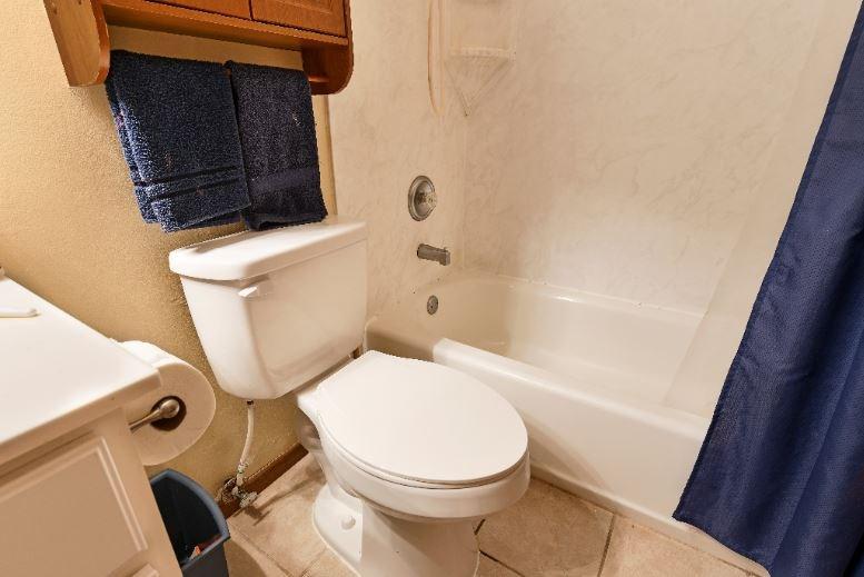 6 Signs of a Bad Bathroom - ImproveIt Home Remodeling Blog