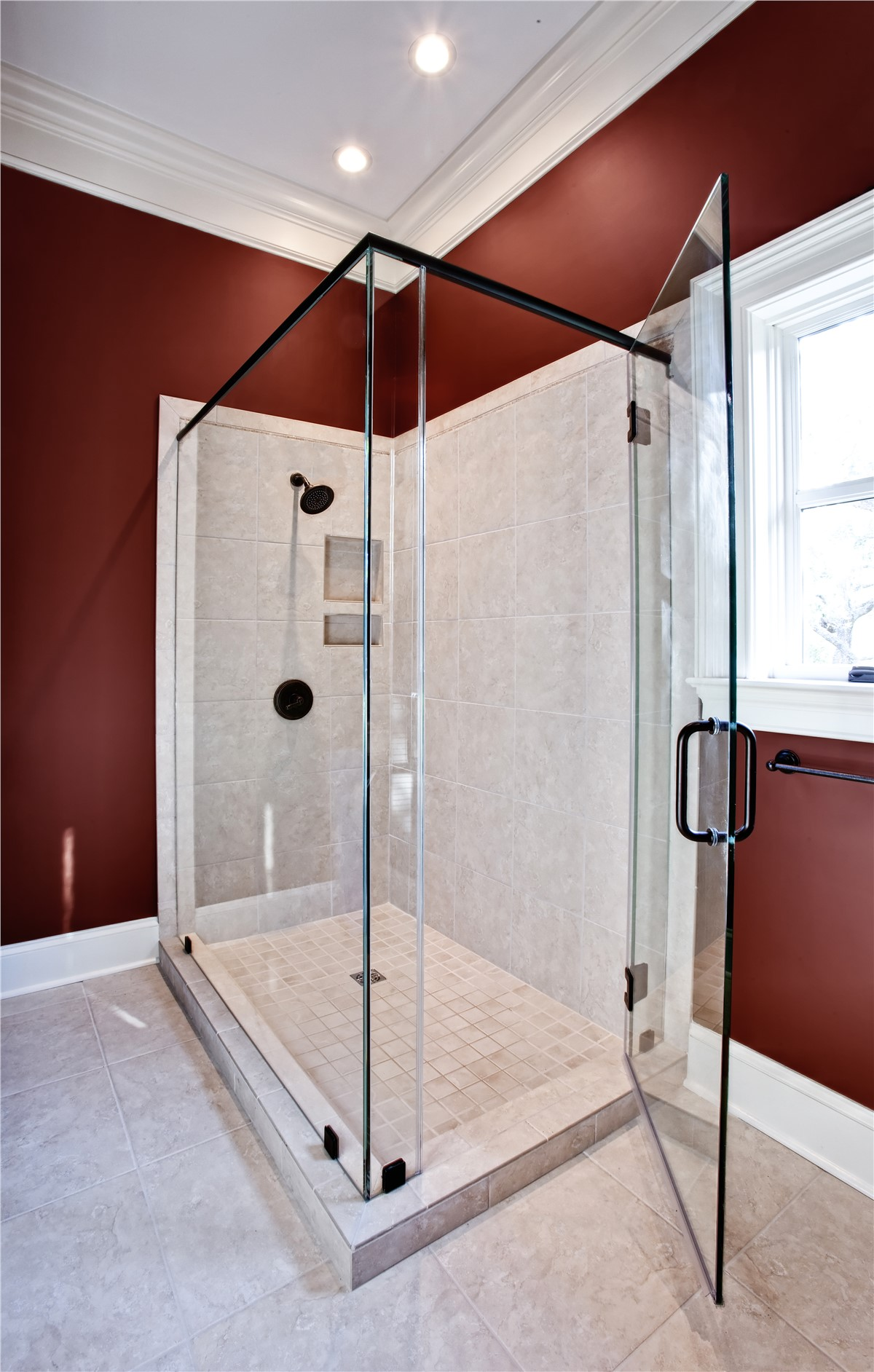 Replacement Showers | Pittsburgh Bathroom Remodelers | Legacy Remodeling