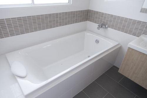 Benefits of Choosing a Bathtub Replacement Over a Liner