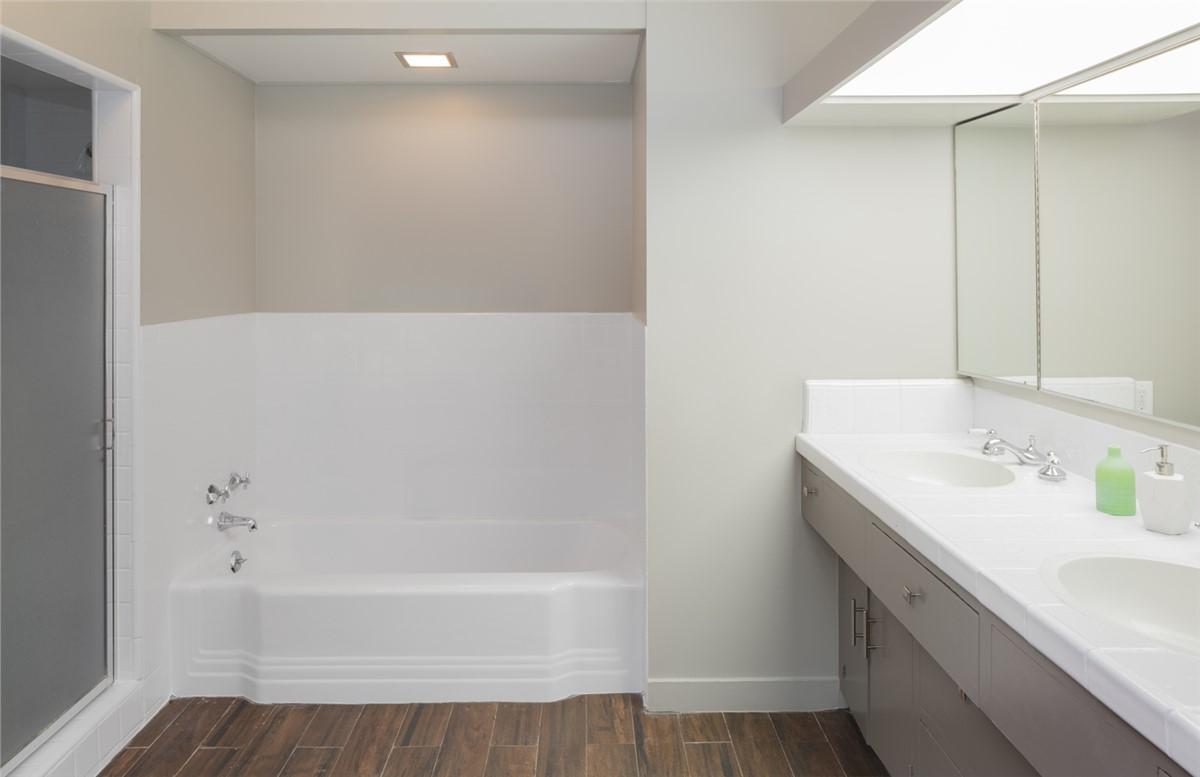 Bathtub Surrounds Tampa | Tub Surround | Luxury Bath of Tampa Bay
