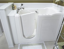 Tub for Seniors | Luxury Bath of Tampa Bay