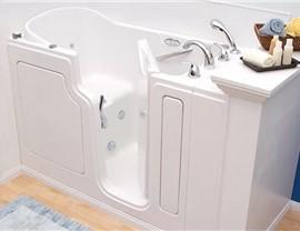 Walk-In Tubs Photo 1