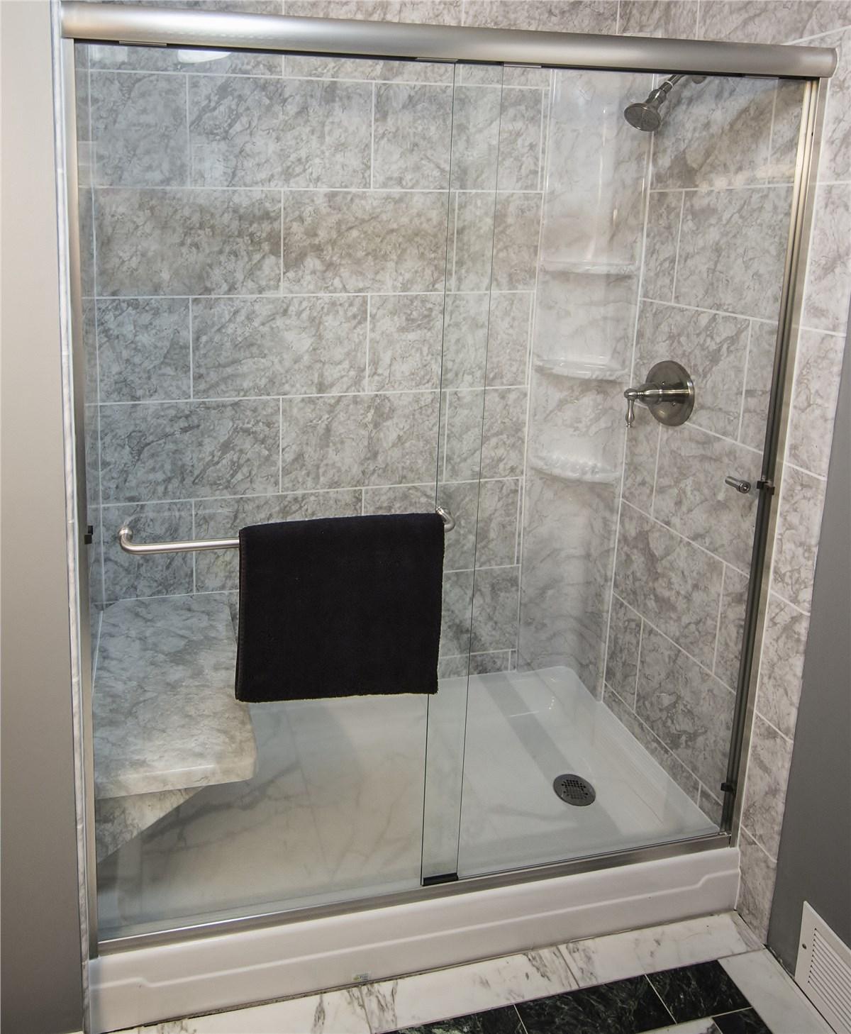 Shower Doors | North Texas Glass Shower Door | Luxury Bath of Texoma