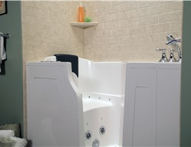 Bathroom Remodeling - Walk-in Tubs Photo 4