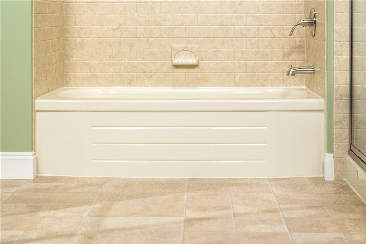 Portland Bath Wall Surrounds | Miller Home Renovations