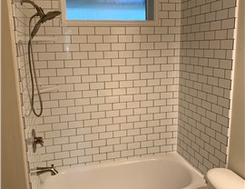 Shower Surrounds Photo 3