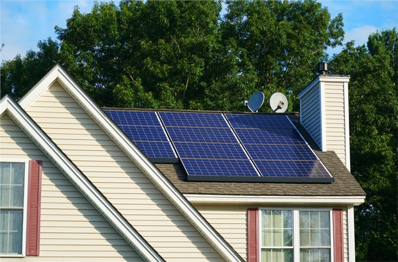 How Does Solar Roofing Work?