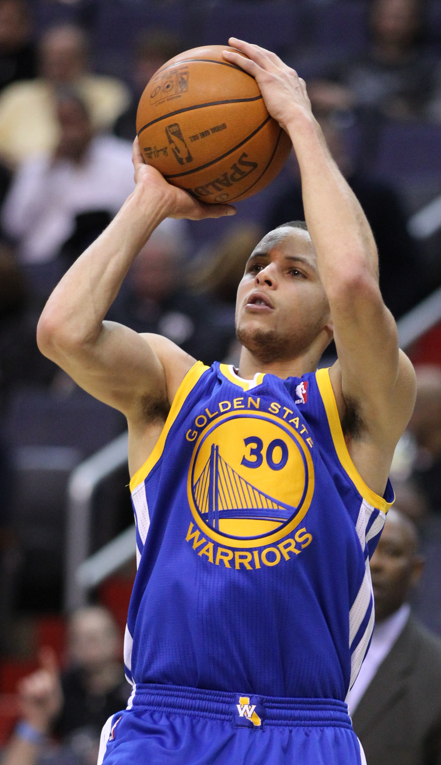 Stephen Curry shooting three pointer