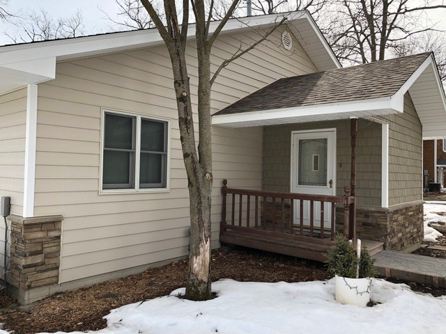 Clear Lake Iowa Homeowners Hire Midwest Construction To