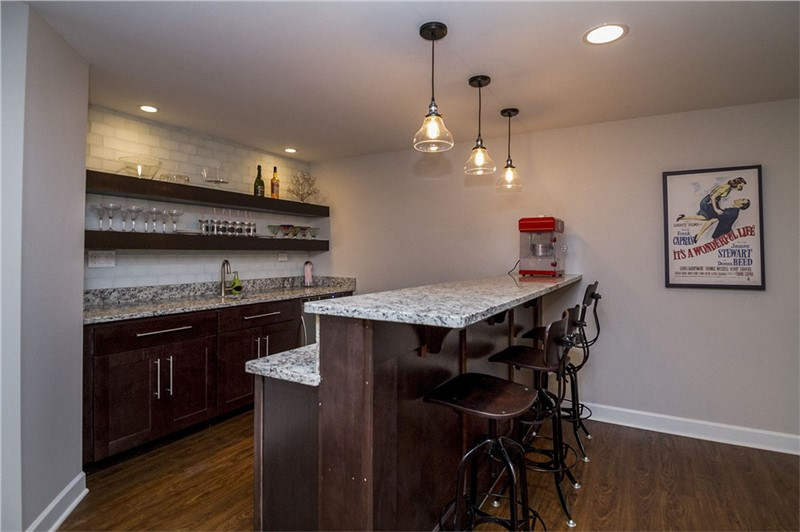 Ideas for Designing Your Own Basement Bar