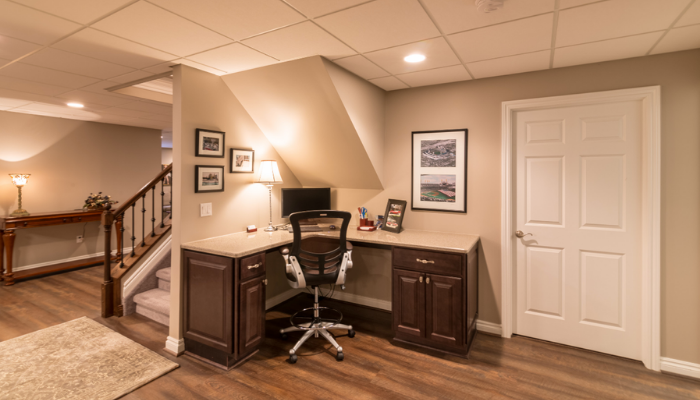 5 Benefits to Creating a Home Office in Your Finished Basement