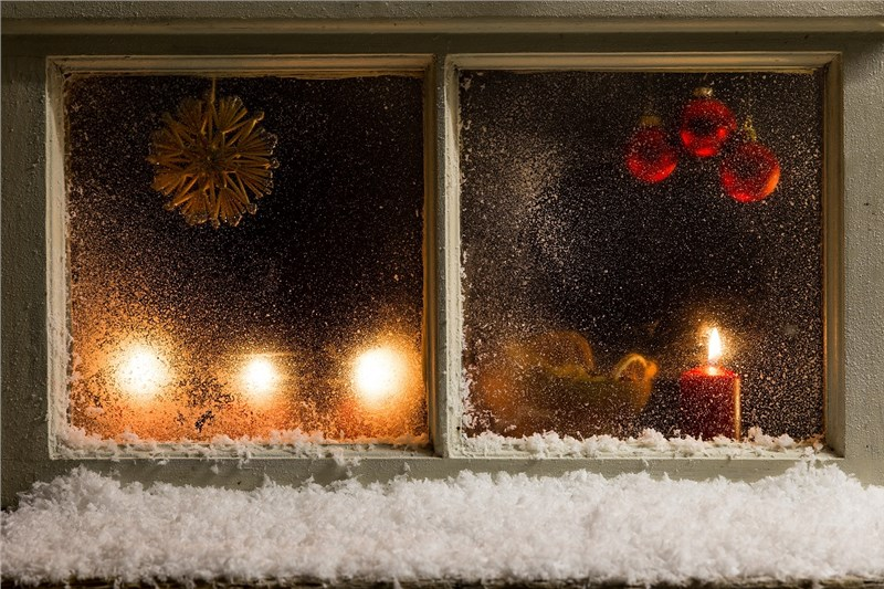 Decorating Your Windows with Holiday Spirit