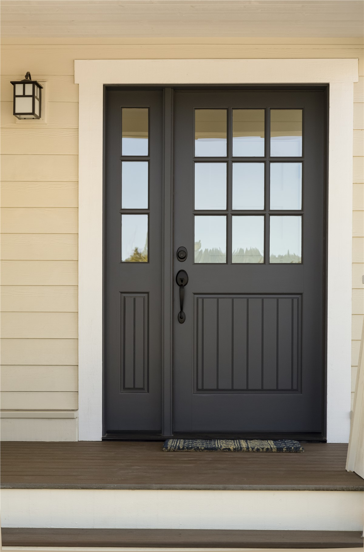 Storm doors chicago security storm door my windowworks for Storm doors for patio doors