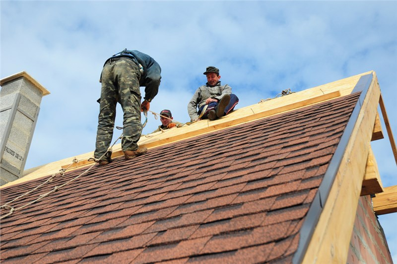 5 Tips to Help You Choose the Right Roofing Contractors in Boston