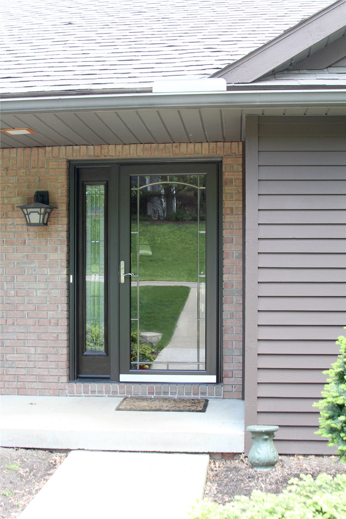 New England Storm Doors | Boston Storm Doors | NEWPRO