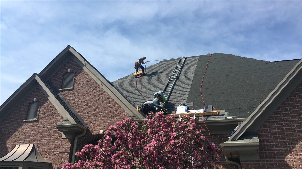 Minneapolis Homeowners Association Roofing | Commercial Roofing