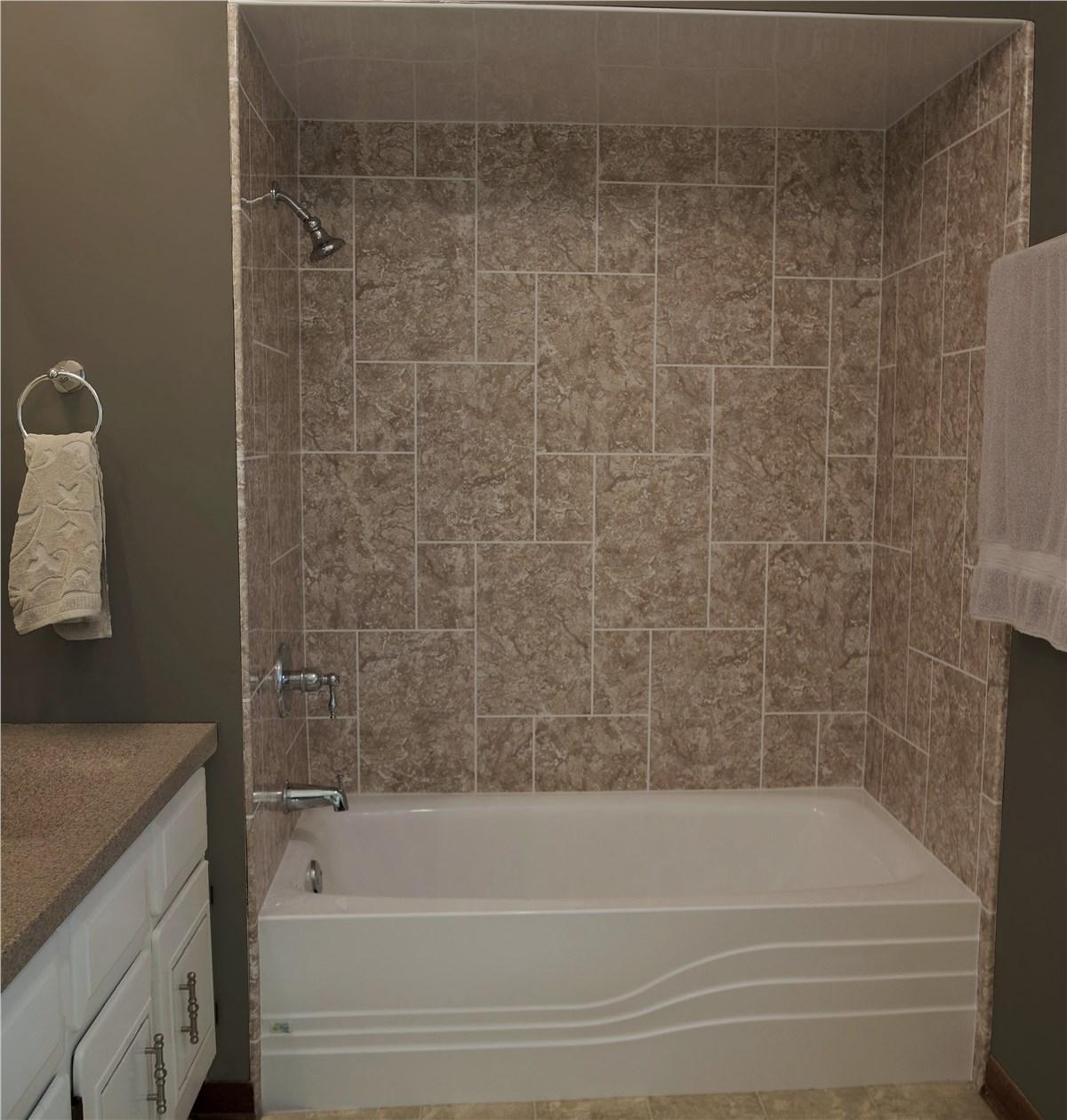 Minneapolis and St. Paul Tub Installation   Bath Tub Installers   NWFAM