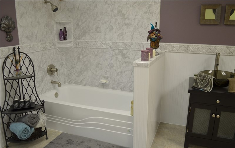 Four Reasons for Renovating Your Bathtub Enclosure