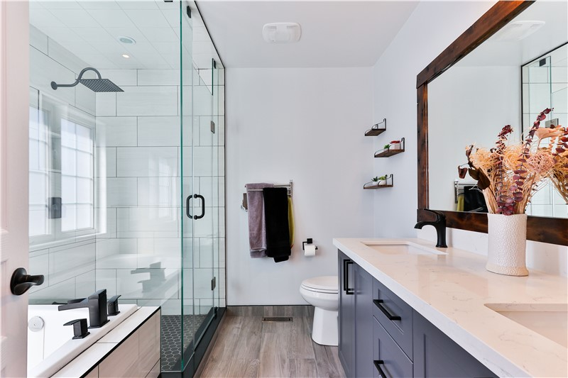 5 Simple Steps to Make Your Bathroom a Guest-Friendly Space