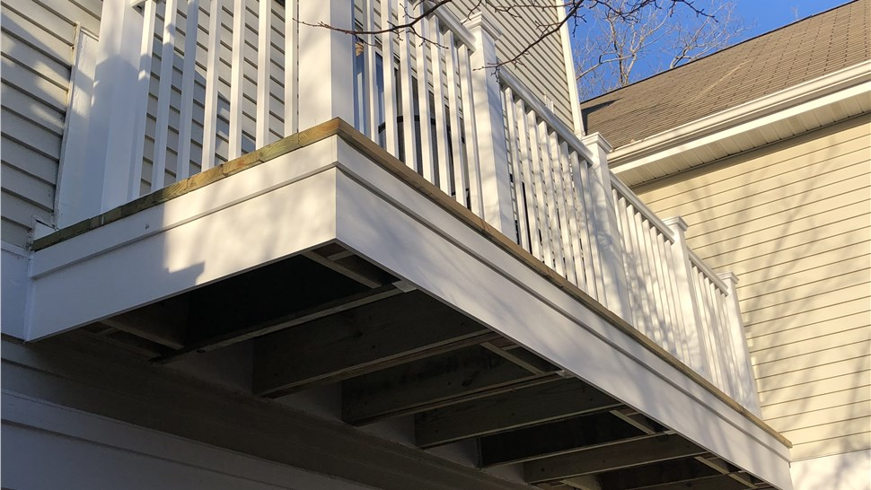 Multi-Family - Balconies and Decks Photo 3