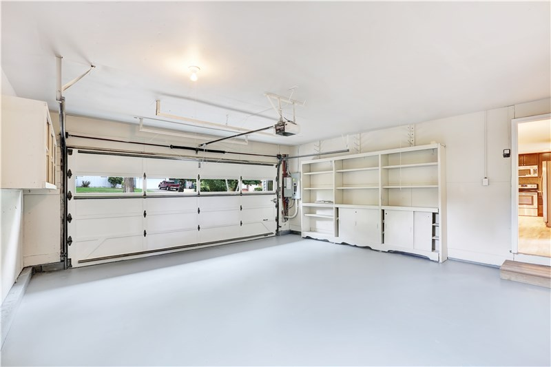 What Is the Best Garage Floor Covering?